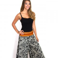 Live Thai Traditional Pom Pant